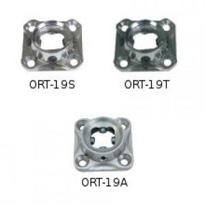 Socket adapter with adjustement screws