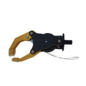 Mecanical hand with volontary opening inner puller
